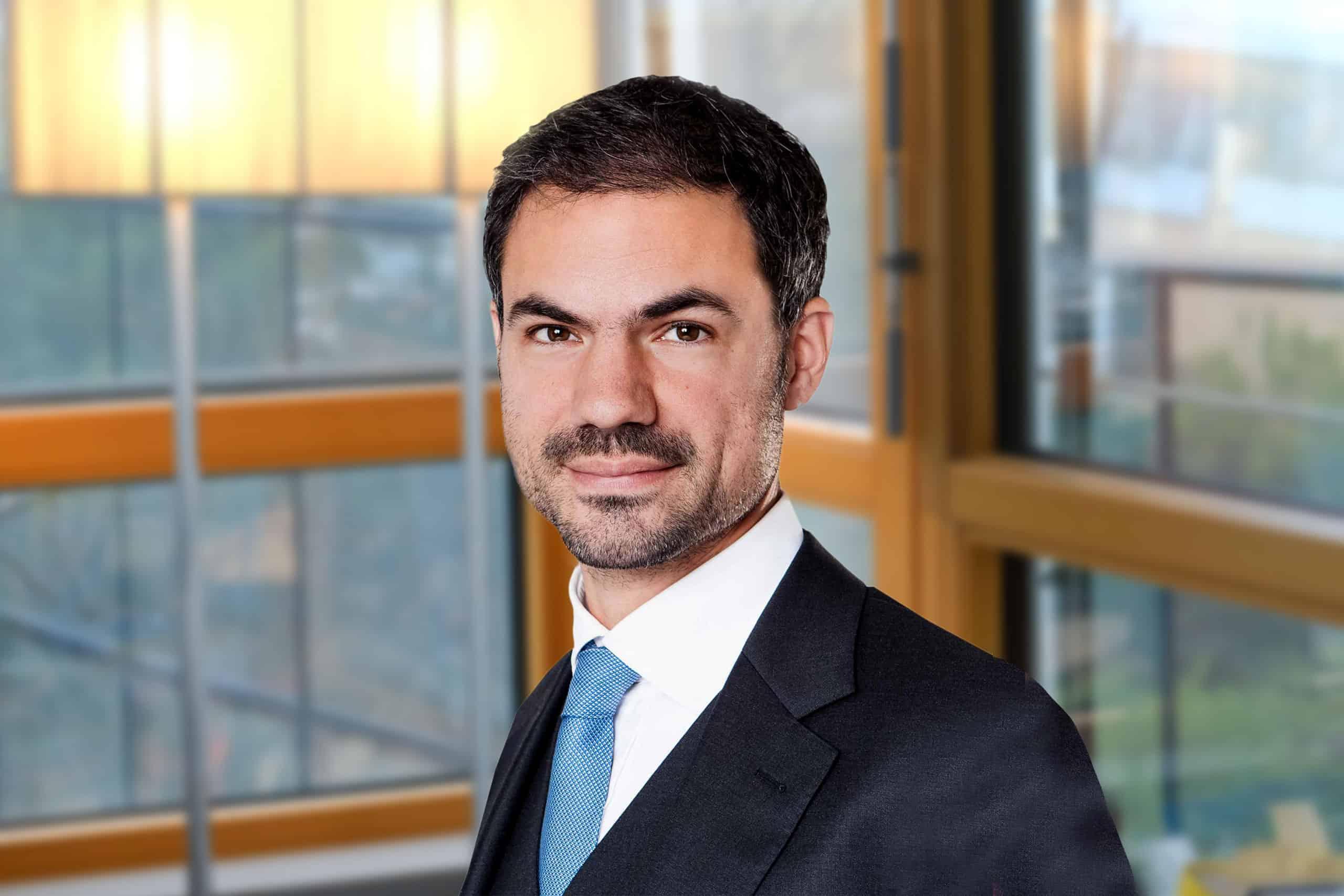 Dr. Alexander Verhoeven