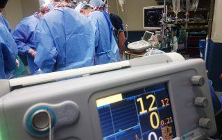 Mediziner bei OP